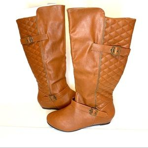Beautiful quilted with buckle details flat boots